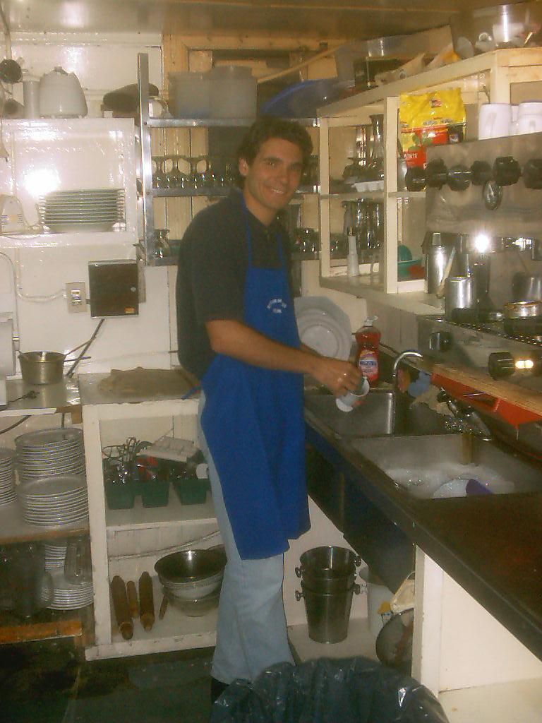 erveur / coupeur de pain / plongeur en Argentine (Ushuaïa)
